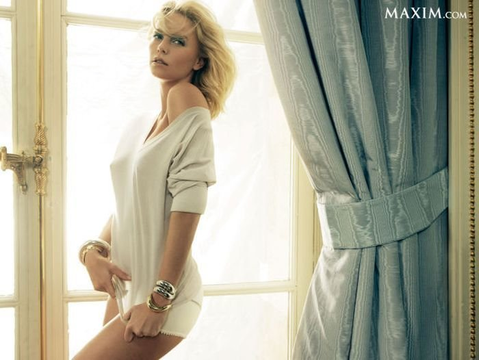 Девушки из журнала Максим (200 фото)